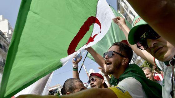 Tipasa, Blida, Chlef et Aïn Defla : Imposantes marches malgré la canicule