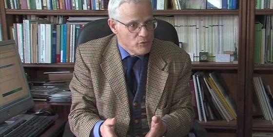 Selon l'économiste Najib Akesbi :  « Au Maroc, les inégalités sociales s'accentuent »