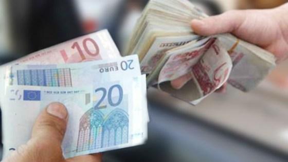 Aéroport d'Oran : La police des frontières saisit 6 000 euros non déclarés