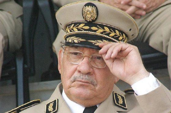 Gaïd Salah à Oran:  Eriger une Armée forte