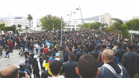 Béjaïa : Manifestation des travailleurs pour un changement politique
