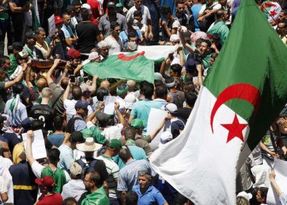 Béjaïa : Déferlante humaine dans les rues de la ville