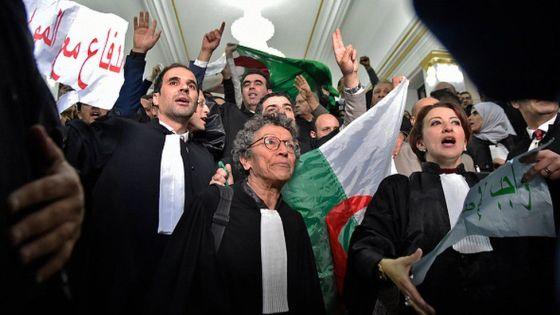 Marches des avocats à Tizi Ouzou et Béjaïa