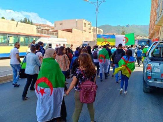 Béjaïa : Grandiose marche des étudiants et de la société civile