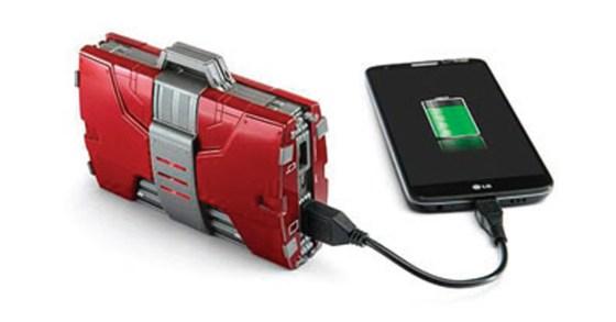 La mallette Iron Man recharge les smartphones