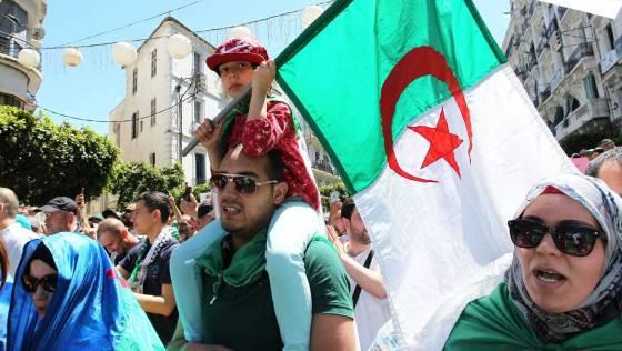 Des personnalités nationales appellent à l'apaisement : Face au blocage politique
