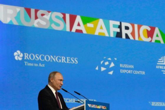 Poutine, chef d'orchestre d'un rapprochement historique