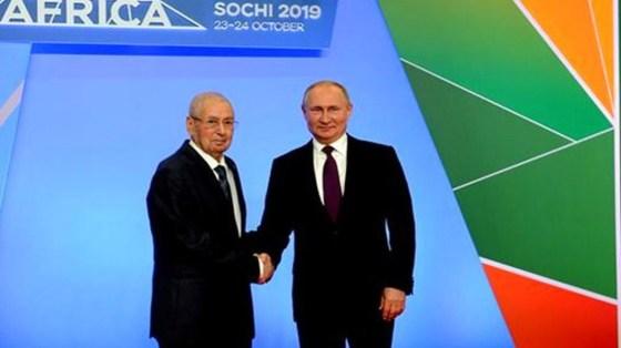 Poutine fait le vœu que l'Algérie surmonte ses difficultés