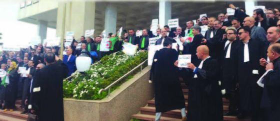Tizi Ouzou : Rassemblement des magistrats devant la cour