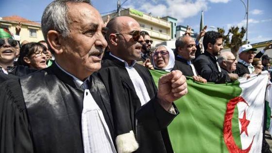 Les protestataires dénoncent l'humiliation