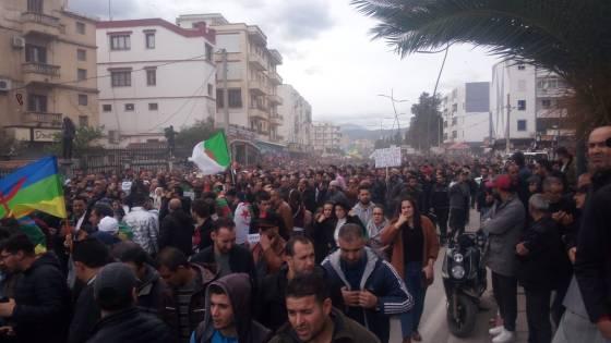 Béjaïa : Rejet massif et manifestation dans la ville