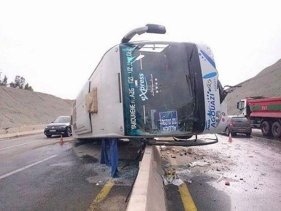 accident de la route à Tizi-Ouzou : 5 morts et 35 blessés dont une dizaine grièvement