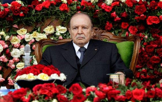 Bouteflika hospitalisé à Grenoble (vidéo)