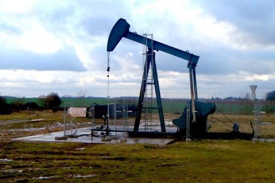 Sous tension, le pétrole flirte avec les 70 dollars