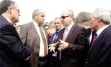 Hocine Necib, ministre des Ressources en eau visite les stands d'exposition