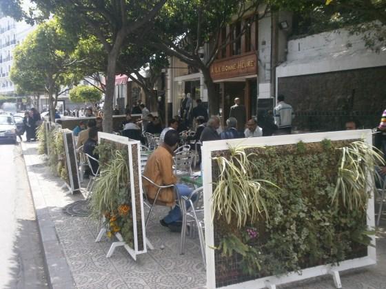 Coronavirus: Rezig sensibilise les cafés et restaurants