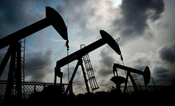 Le dollar entraîne dans sa chute le pétrole