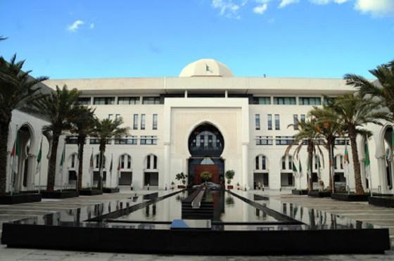 """Attaque sur l'Arabie saoudite : L'Algérie exprime sa """"forte indignation"""""""