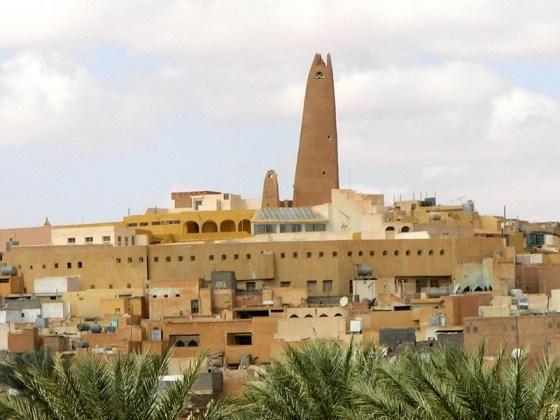 Ghardaïa:Quand la moto et le vélo volent contre Covid-19.