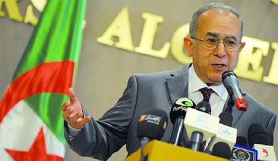 Dialogue intermalien: Lamamra appelle au compromis