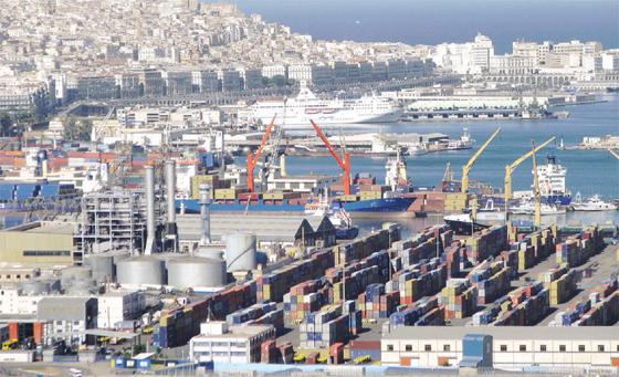 La nouvelle clôture aembellile port d'Alger