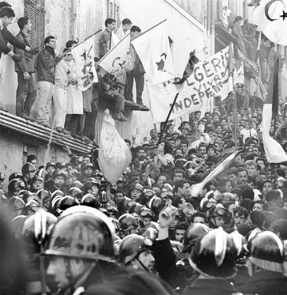 Souvenir immortel des héros de la Révolution