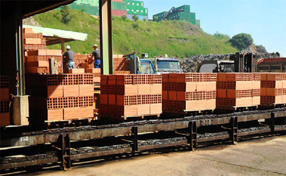 Briqueterie Soummam : Les travailleurs exigent la relance des activités