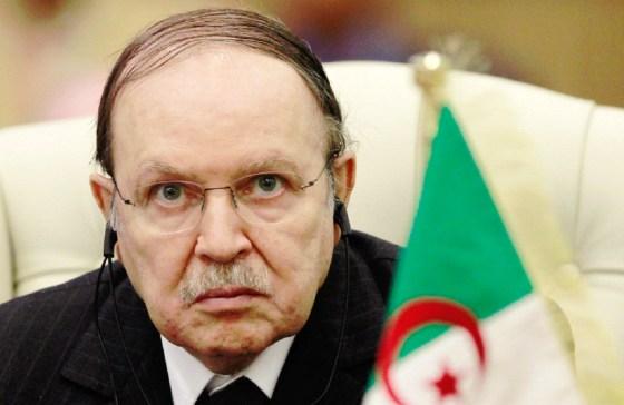 Bouteflikacondamne «vigoureusement» l'attentat contre Charlie Hebdo
