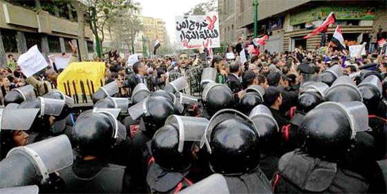 Egypte : Heurts meurtriers autour du quatrième anniversaire de la révolte