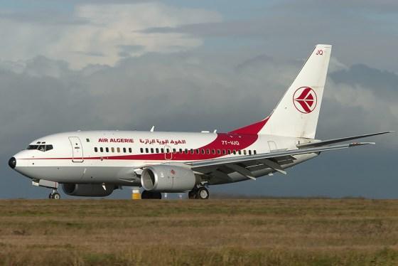 Sortie de piste d'un avion d'Air Algérie à Orly