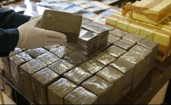 Drogue: 3 000 policieres pour traquer les dealers