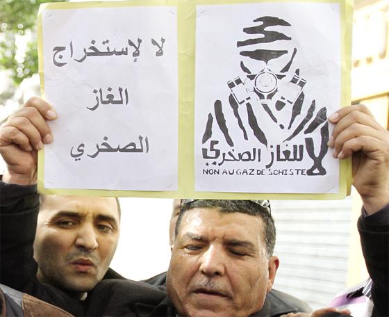 Les «anti-gaz de schiste» tiennent leur manif devant la «maison du Syndicat»
