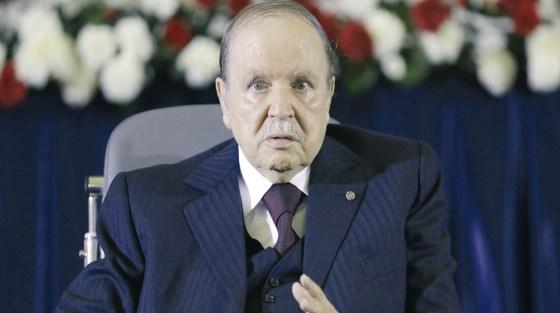 Bouteflika hausse le ton