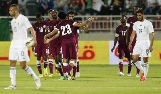 Décevants Algériens devant les Qatari