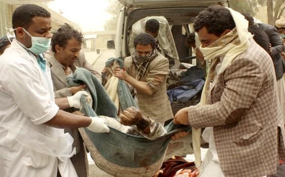 Yémen : Les avions saoudiens bombardent un marché