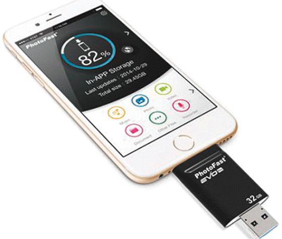 Des clés USB universelles  trois-en-un, à USB C ou micro USB escamotable