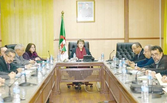 Une commission pour la révision du statut particulier