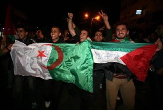 Bouteflika appelle le peuple algérien à soutenir les Palestiniens