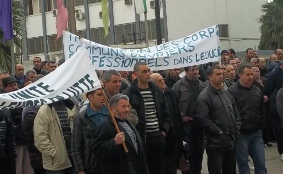 Les travailleurs menacent de radicaliser leur mouvement