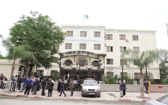 Affaire Khalifa: Medelci, Djoudi et Terbeche brillent par leurs absences