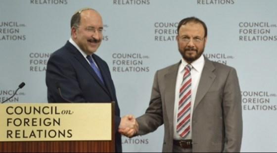 Poignée de mains Israëlo-saoudienne à Washington