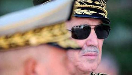Un commandant de l'Africom en consultation avec  le général Bousteilla