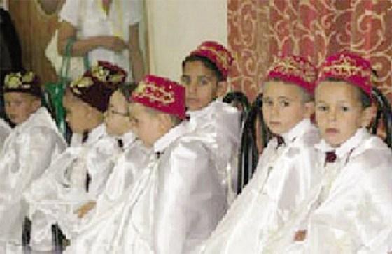 Circoncision collective de 100 enfants nécessiteux