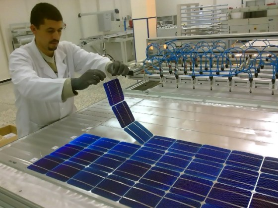 ENIE lance la première usine algérienne de panneaux solaires
