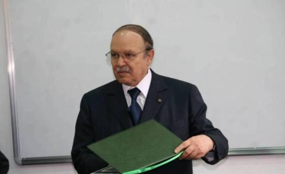 Bouteflika signe cinq décrets