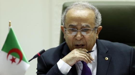 A Paris, Lamamra répond à l'ex-président français