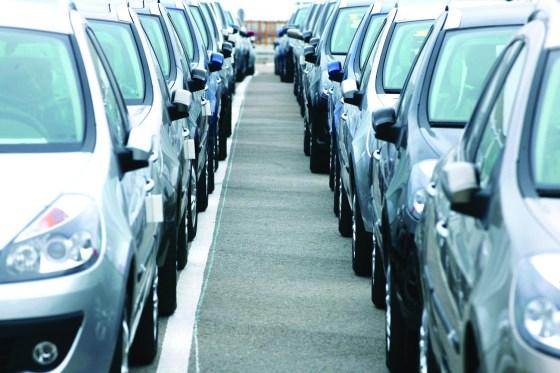 Les concessionnaires automobiles dans l'œil du cyclone