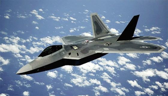 Washington déploie des chasseurs furtifs F-22 en Europe