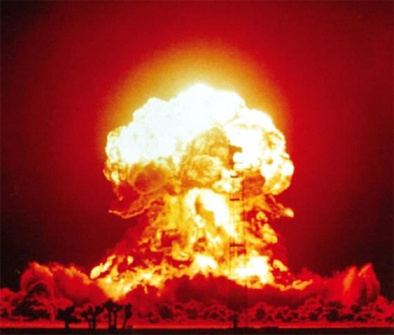 La politique des USA pousse le monde vers la guerre nucléaire
