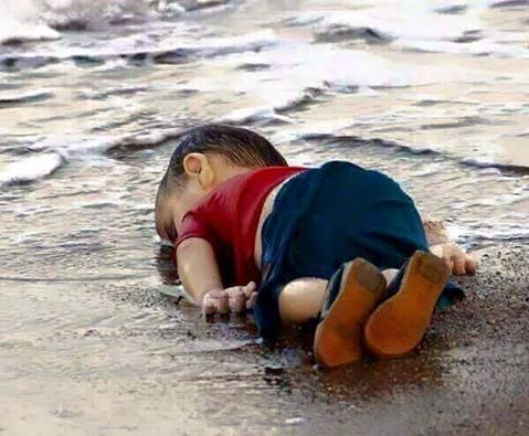 La photo de l'enfant syrien noyé en Turquie choque le monde